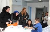Vereadoras oferecem livro 'A Melodia de Mara' a crianças internadas no hospital de Braga