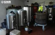 GNR do Porto aprende 82 mil euros em álcool, bebidas alcoólicas e tabaco e detém dois homens