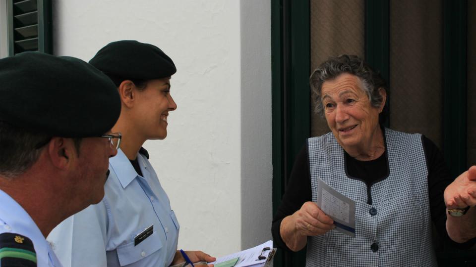 GNR distribui a idosos calendários em parceria com a EDP