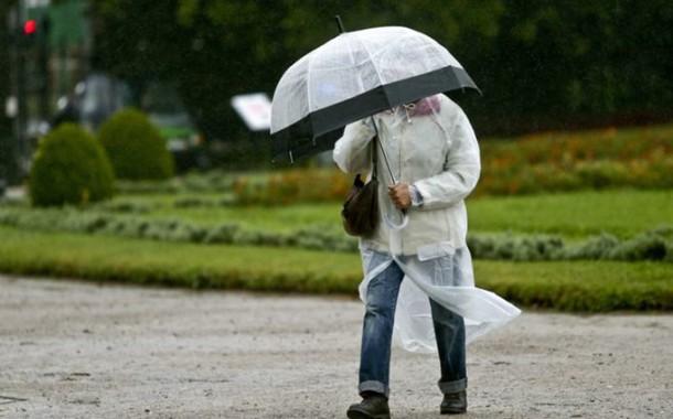 Distritos de Braga, Viana do Castelo e Porto 'amarelados' para amanhã, devido a chuva forte