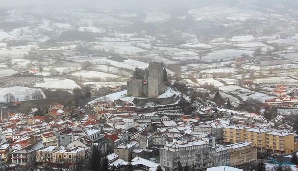 Neve fecha escolas de Montalegre