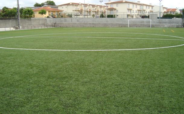Pancadaria entre dois jogadores obriga árbitro a suspender jogo entre Panoias e São Veríssimo