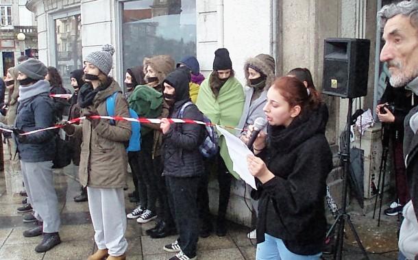 """REFUGIADOS: Braga junta-se a protesto europeu contra """"Europa fortaleza"""" e"""