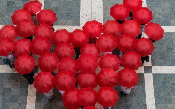 Dia Mundial do Preservativo assinalado em Lisboa com distribuição de preservativos e pintura de mural
