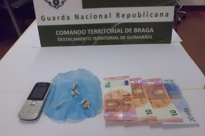 Reformado detido pela GNR de Guimarães segunda vez na posse de droga