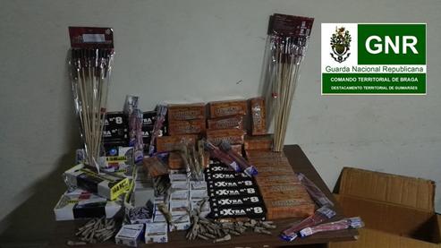 GNR de Fafe apreende milhares de 'bombas' e foguetes de Carnaval na posse de desempregado