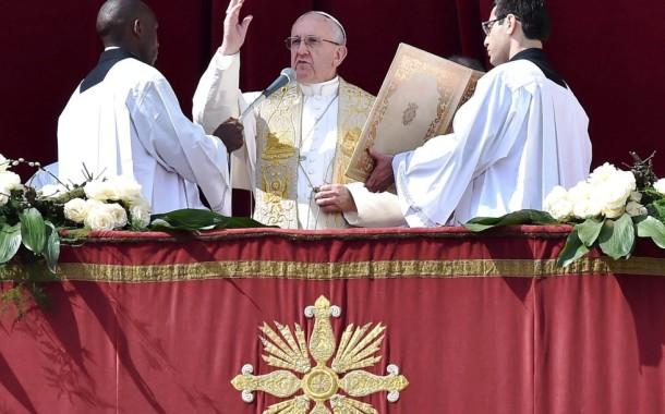 "Papa condena ""violência cega e brutal"" do terrorismo"