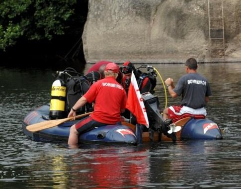 Bombeiros procuram homem desaparecido no Rio Cávado