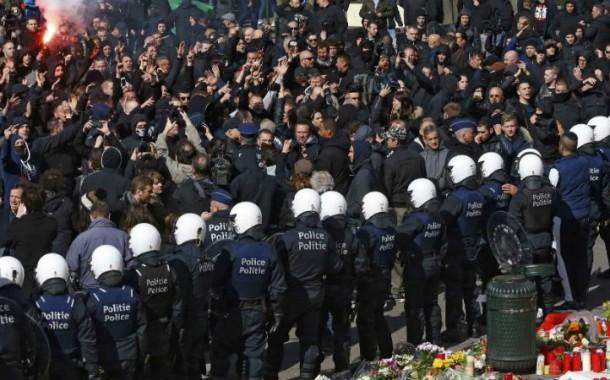Extrema-direita perturba homenagem às vítimas dos atentados