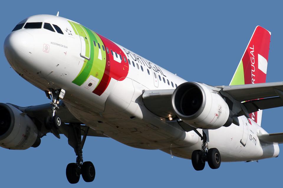 'Ponte aérea' entre Porto e Lisboa levantou 'voo' este domingo