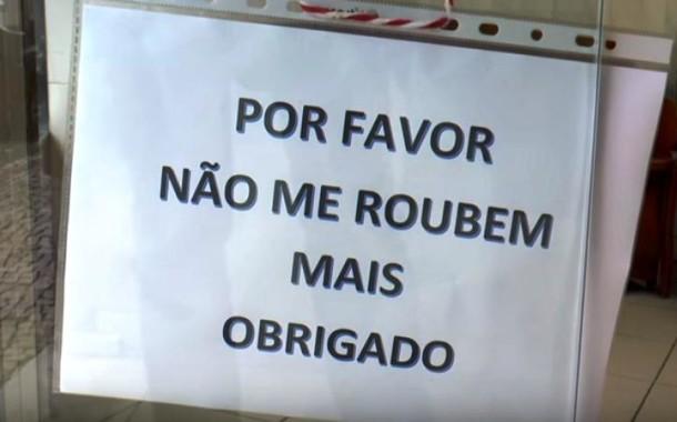 """INSÓLITO:Talhante da Póvoa de Varzim escreve cartaz com pedido aos ladrões: """"Não em roubem mais"""""""
