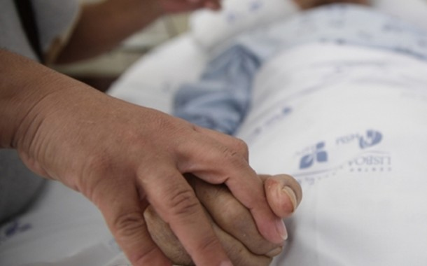 """Bispos reforçam """"total rejeição"""" de legalização da eutanásia"""