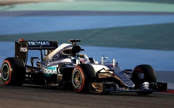 F1: Hamilton na 'pole position' no Grande Prémio do Bahrein