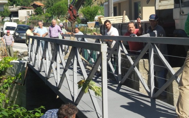 """Vila Verde: ponte pedonal já permite travessia sobre o Rio Neiva """"em segurança"""""""