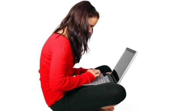Jovens portugueses viciados no Facebook com níveis de saúde mental preocupantes