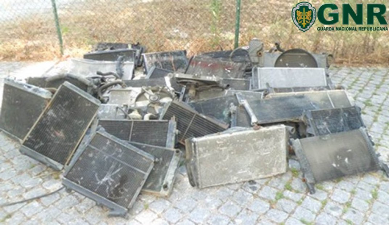 Cinco detidos por furto de 38 radiadores de carros