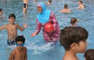 Fato de banho islâmico, o já célebre 'burkini', proibido em 13 municípios de França