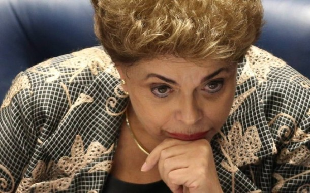 "Dilma alerta para ""golpe parlamentar"" e culpa ""boicote"" pela crise no Brasil"