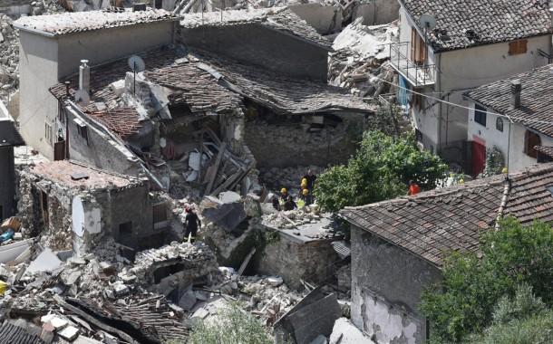 Governo não tem indicação de portugueses entre as vítimas do sismo de Itália; na região vivem 4 mil portugueses
