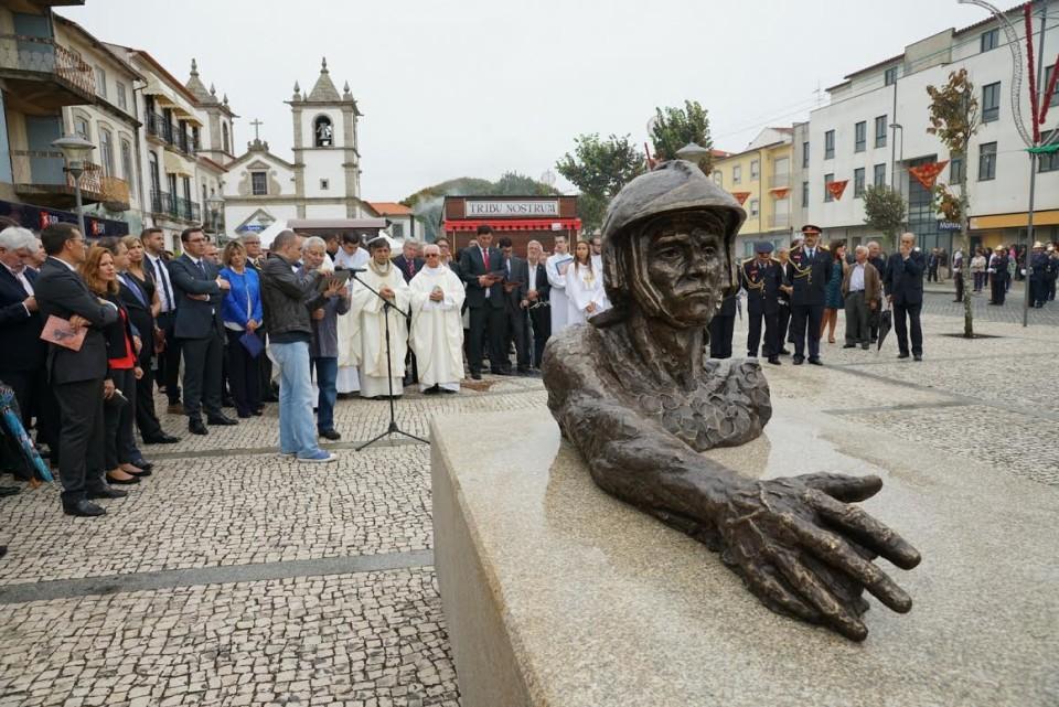 Esposende inaugurou Monumento ao Bombeiro