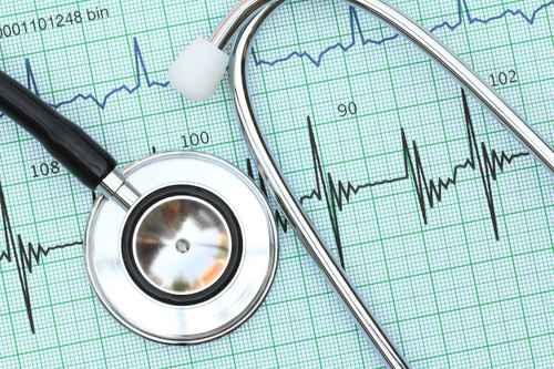 Todos vão ter acesso a exames médicos em tempo útil, diz ministro da Saúde