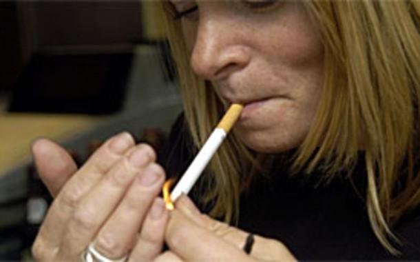 Consumo de tabaco cai 5%, mas aumentam mulheres fumadoras e com cancro de pulmão