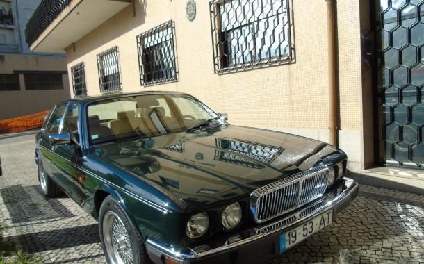 Operação 'Trapos Soltos': PJ  de Braga apreende Daimler de colecção a advogado suspeito de fraudes fiscais
