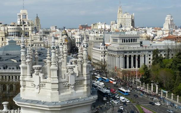 Madrid proíbe circulação de metade dos carros por causa da poluição