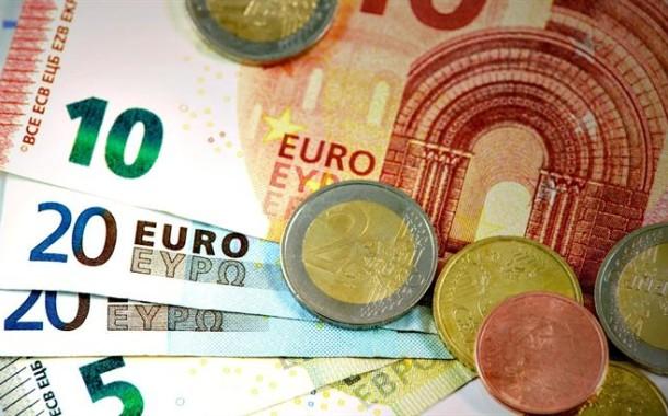 Défice baixa 497 milhões de euros em 2016