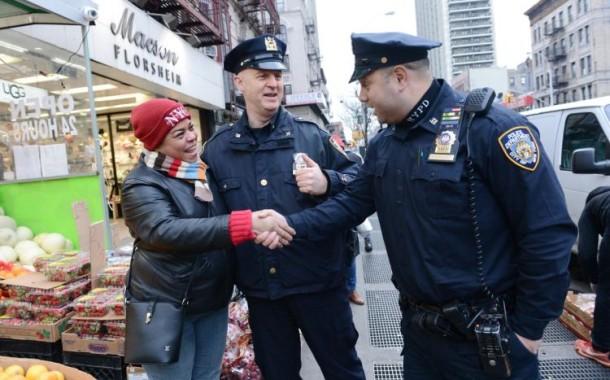 Nova Iorque e Los Angeles prometem proteger imigrantes de Trump