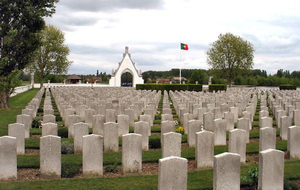 "Deputado barcelense Joel Sá quer que Estado valorize ""urgentemente"" cemitérios dos portugueses mortos na Grande Guerra"