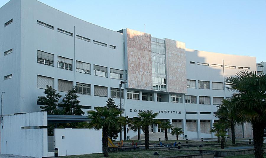 Tribunal de Braga obriga a tratamento de desintoxicação a dois homens que roubavam pessoas na rua