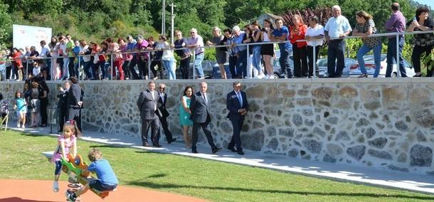 Câmara inaugurou parques de lazer das freguesias de Quintiães e Aguiar