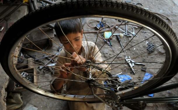 Trabalho infantil compromete desenvolvimento das crianças, alerta Provedor de Justiça