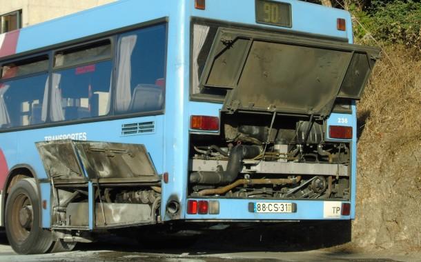 BRAGA: Autocarro dos TUB incendiou-se em Nogueiró