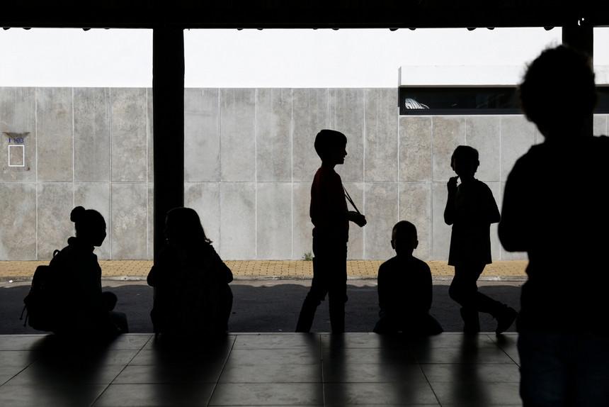 Câmara de Braga discute em reunião extraordinária contratação de funcionários para escolas
