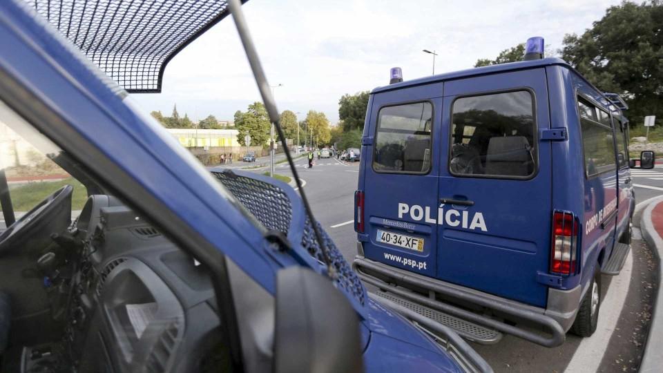 Operação da PSP junto de escolas de Braga resulta na detenção de jovem e apreensão de haxixe