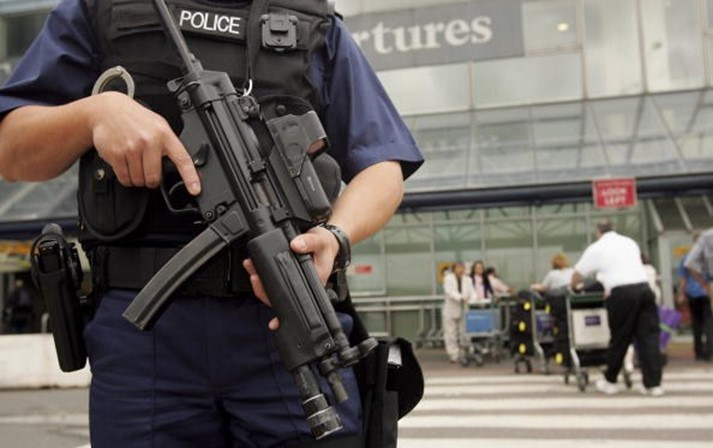 Quatro detidos no Reino Unido por suspeitas de planear ataque terrorista