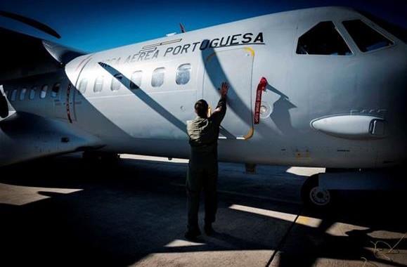 Força Aérea quer mais efectivos para nova missão de combate a incêndios
