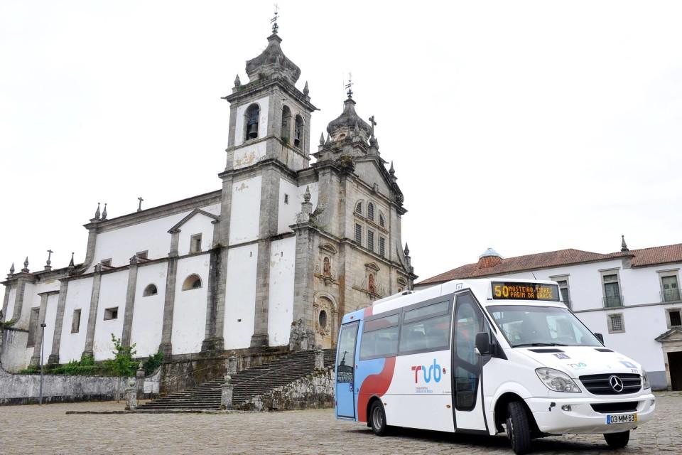 Novo serviço dos TUB para o Mosteiro de Tibães aposta no turismo cultural