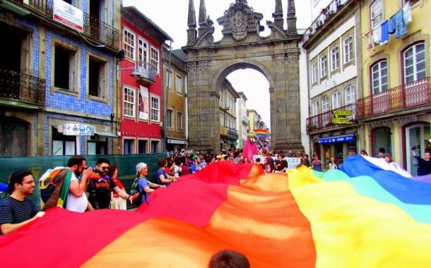 Parada gay desfila em Braga contra 'Cidade do Silêncio'