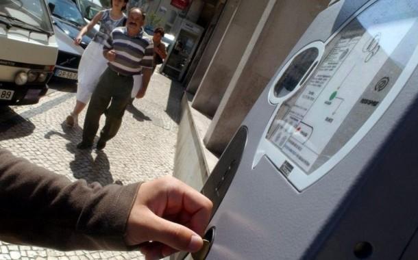 Câmara de Braga devolve dois meses de avenças de estacionamento