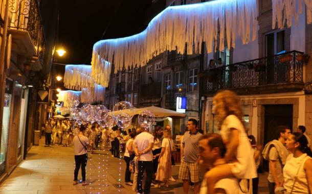 Arruada com as 'Sopa de Pedra' no encerramento da Noite Branca de Braga