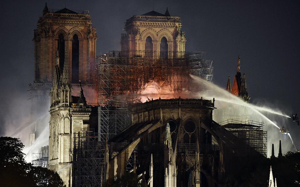 Catedral de Notre-Dame arrecada  600 euros milhões em doações para reconstrução