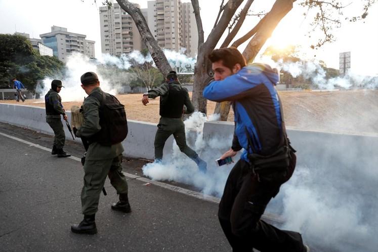 Portugueses na Venezuela devem ficar em casa; Governo já activou mecanismos de apoio