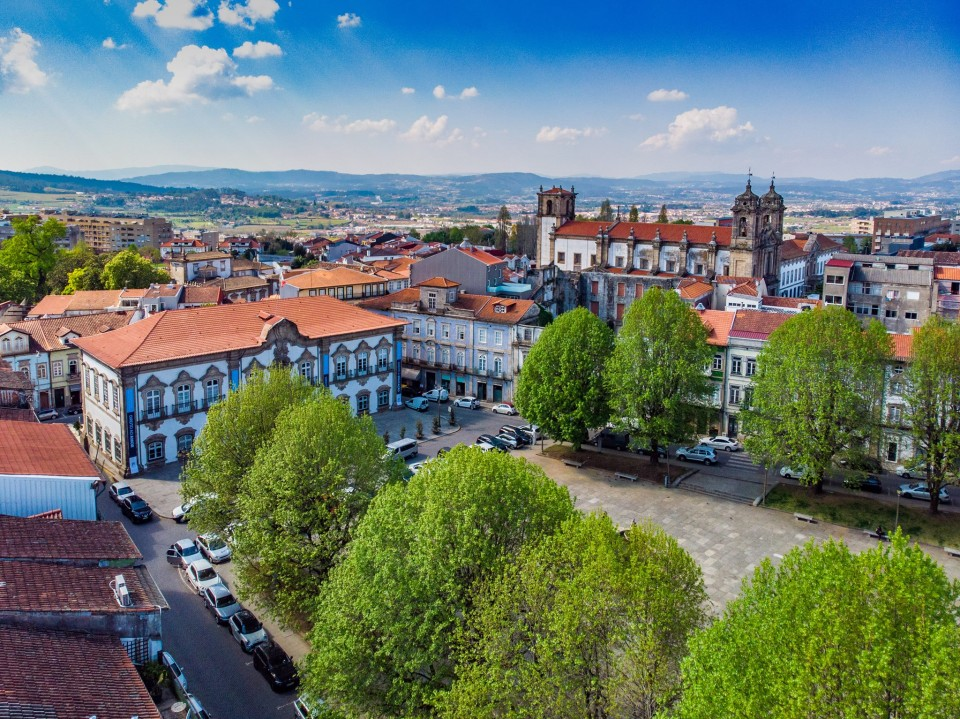 Câmara de Braga debate plano de integração de migrantes