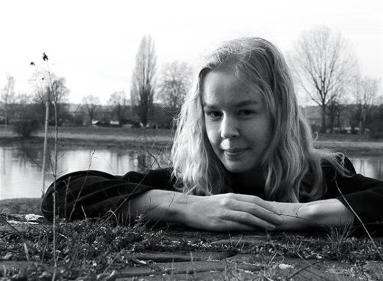 Autorizada eutanásia a adolescente holandesa de 17 anos que foi violada em criança e pedia para morrer