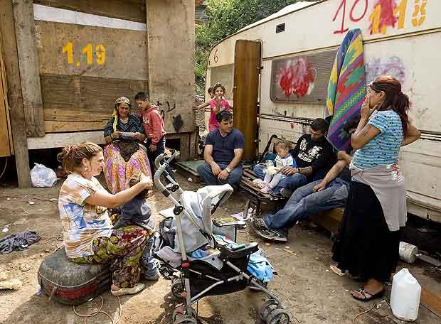 Itália vai fazer relatório sobre ciganos para preparar plano de expulsão