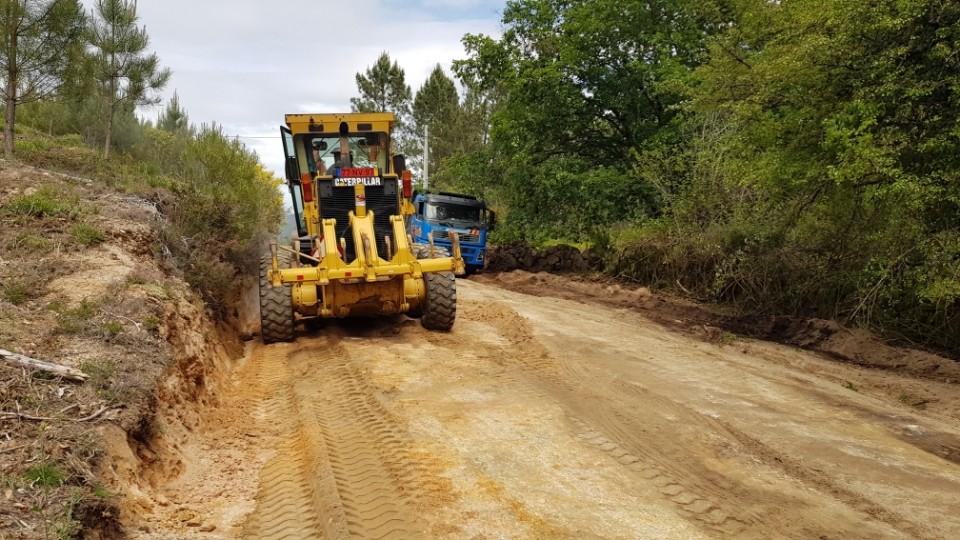 Arrancou obra de beneficiação do caminho florestal entre Leonte e a Portela do Homem