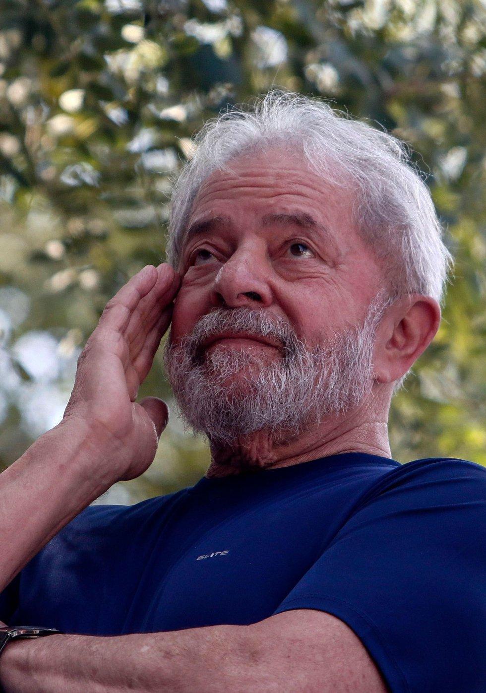 """Juristas de 11 países alertam para """"graves vícios"""" nos processos contra Lula da Silva"""